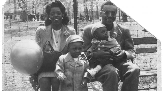 Ron with his mother Dorothy, father Boyd and baby brother Jason at Bronx Park